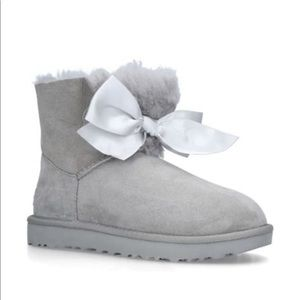 UGG 🔴 Gita Bow mini boots